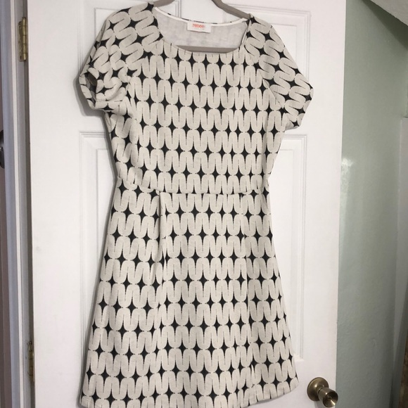 Renee C. Dresses & Skirts - Soft and flattering A-line dress